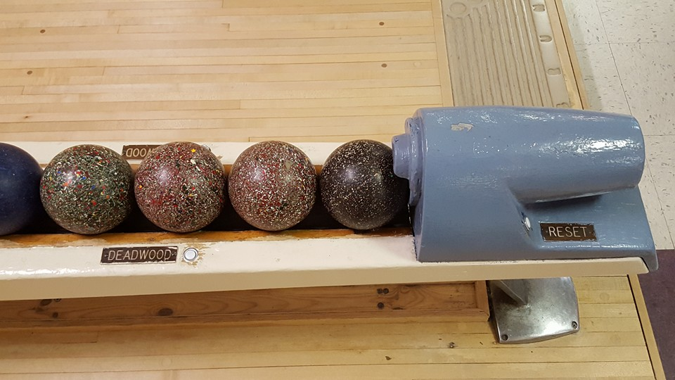 White Oak Bowling Lanes - bowling alley  | Photo 10 of 10 | Address: 11207 New Hampshire Ave, Colesville, MD 20904, USA | Phone: (301) 593-3000