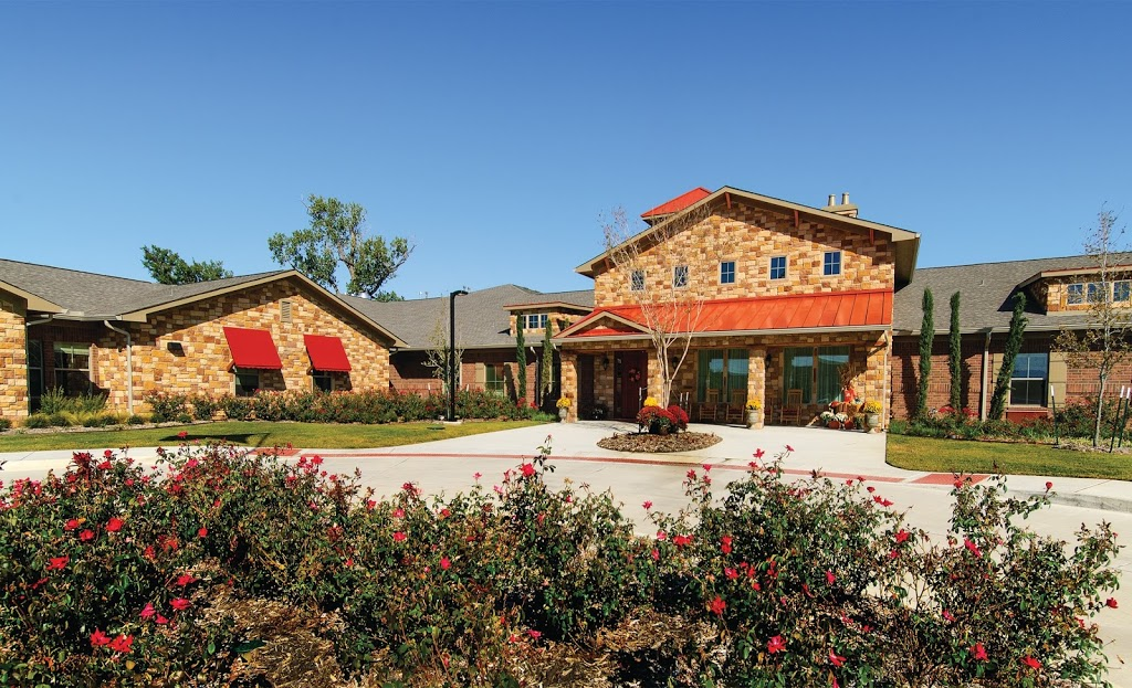 River Oaks Assisted Living - health  | Photo 1 of 4 | Address: 1530 E Sandy Lake Rd, Coppell, TX 75019, USA | Phone: (469) 240-1624