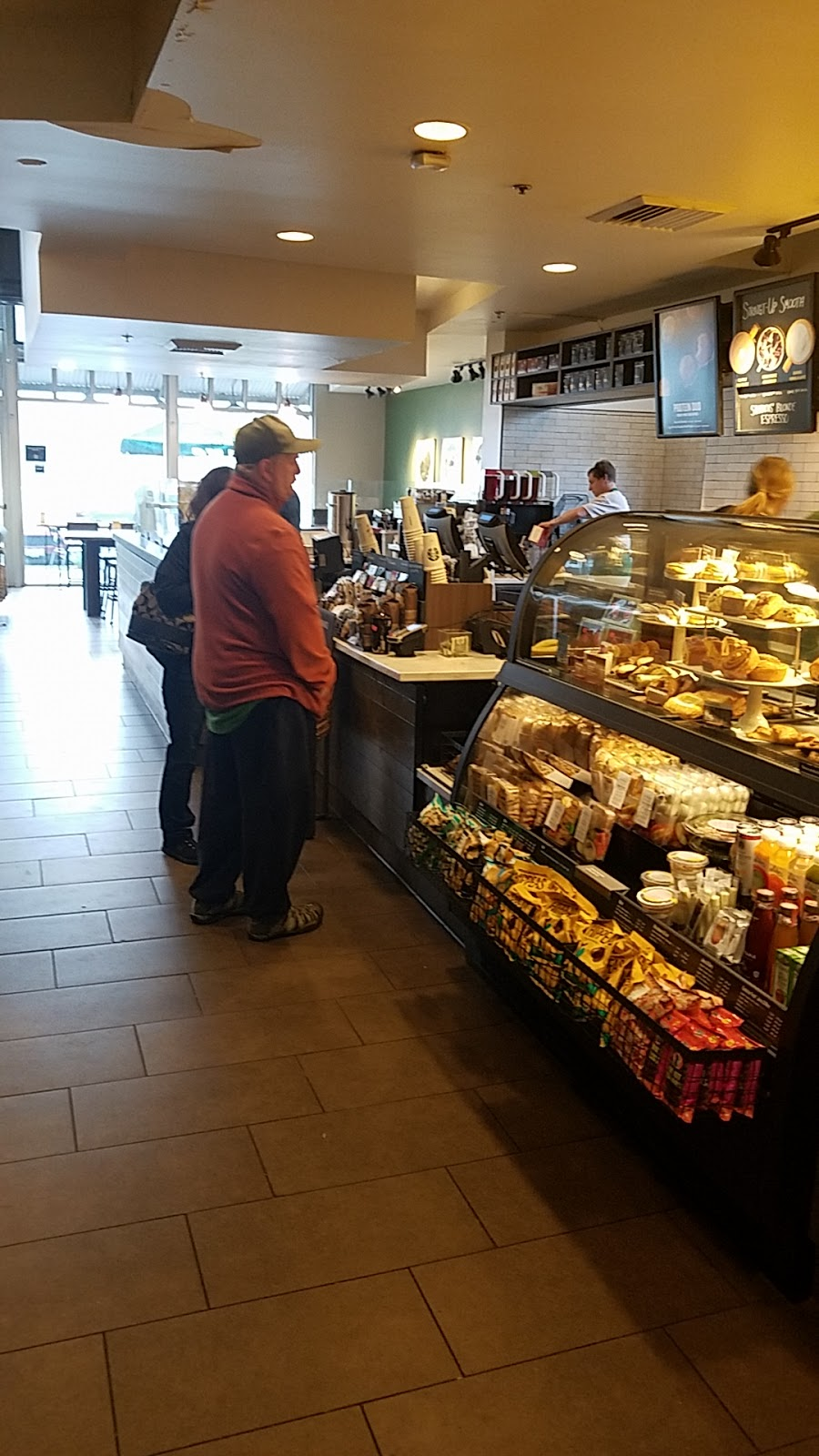 Starbucks | cafe | 704 E Perkins St, Ukiah, CA 95482, USA | 7074632615 OR +1 707-463-2615