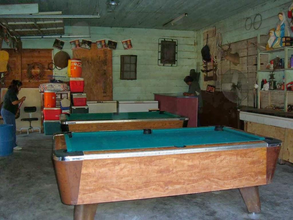 Hackberry Bunkhouse - lodging    Photo 4 of 5   Address: 17008 TX-94, Apple Springs, TX 75926, USA   Phone: (936) 645-6905