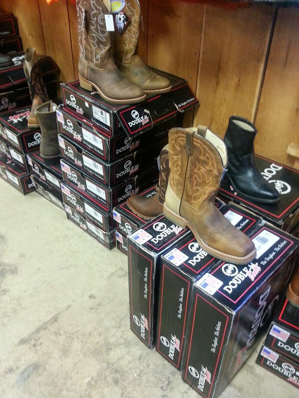 Gumpys Creekside Cabin - shoe store  | Photo 10 of 10 | Address: 2861 PA-42, Millville, PA 17846, USA | Phone: (570) 458-5131