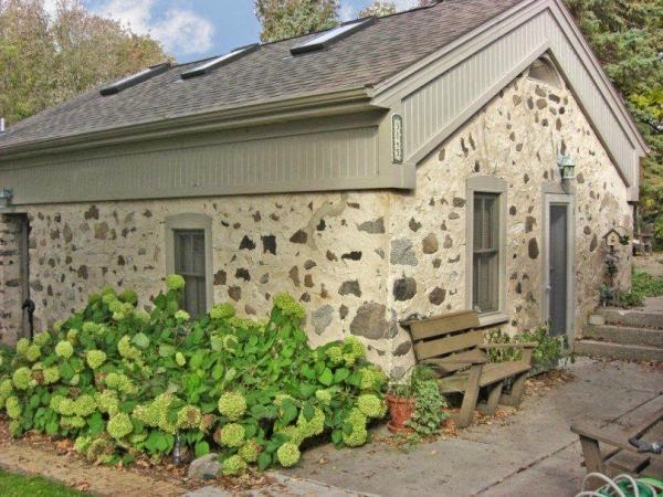 Bed And Breakfast Garden House - lodging    Photo 1 of 7   Address: 3145 Western Ave, Jackson, WI 53037, USA   Phone: (414) 322-8467