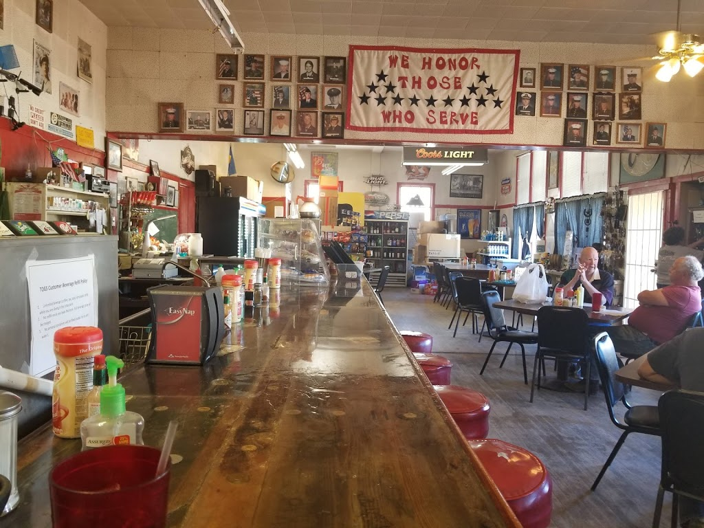 Twin Oaks General Store - cafe    Photo 1 of 10   Address: 15782 Caliente Creek Rd, Caliente, CA 93518, USA   Phone: (661) 867-2247