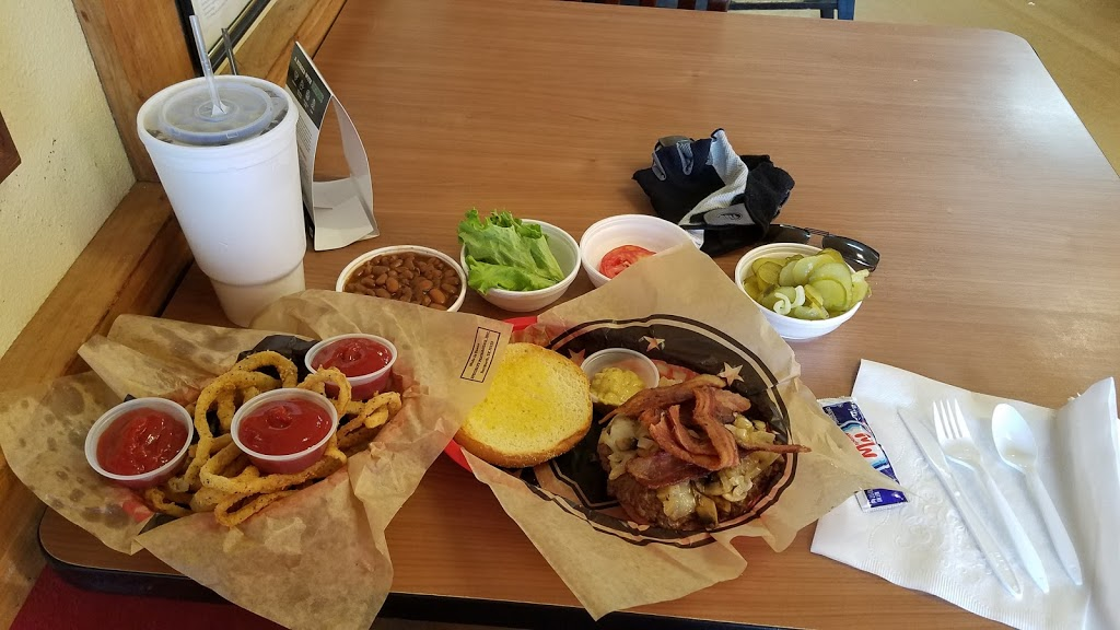 Legends Old Time Burger Cafe - restaurant  | Photo 2 of 10 | Address: 1630 S Jackson St, Jacksonville, TX 75766, USA | Phone: (903) 589-6704