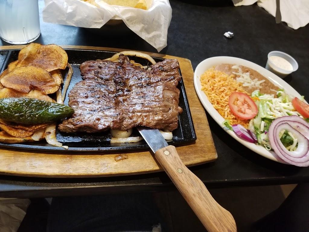 Dos Chiles Grandes - restaurant  | Photo 1 of 10 | Address: 105 Lake Rd, Bridgeport, TX 76426, USA | Phone: (940) 683-6566