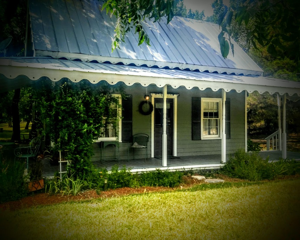 Morning Glory House - lodging  | Photo 1 of 10 | Address: 5178 Cralle Rd, Christoval, TX 76935, USA | Phone: (214) 533-5556