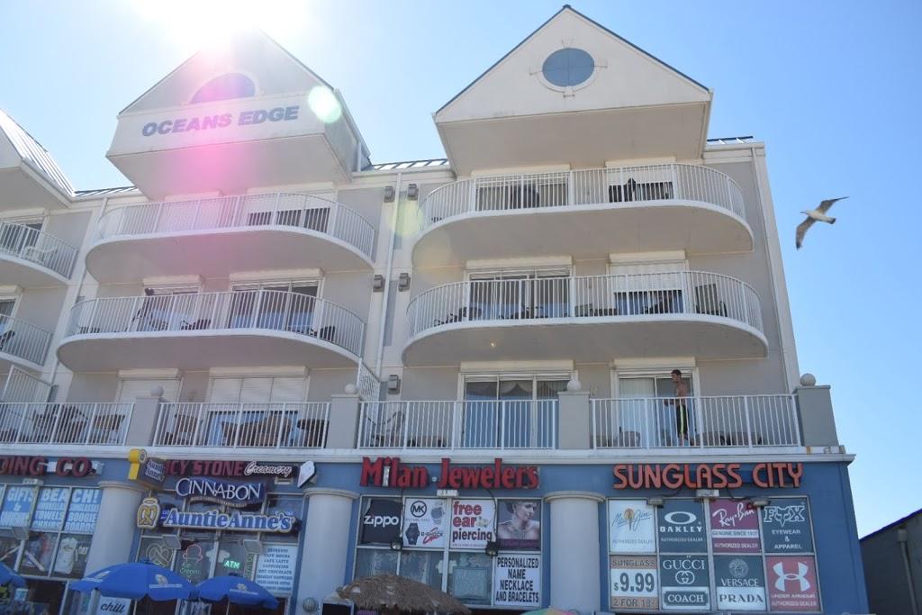 Cinnabon / Auntie Anne's | restaurant | 901 Atlantic Ave, Ocean City, MD 21842, USA