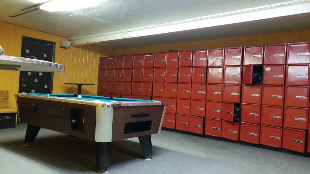 Lake Street Lanes - bowling alley  | Photo 6 of 10 | Address: 10 Lake St, New Berlin, NY 13411, USA | Phone: (607) 847-8594