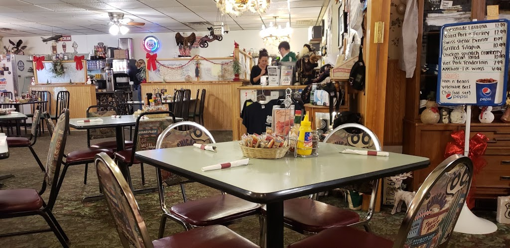 Old Route 66 Family Restaurant - restaurant  | Photo 1 of 10 | Address: 105 S Old Rte 66, Dwight, IL 60420, USA | Phone: (815) 584-2920
