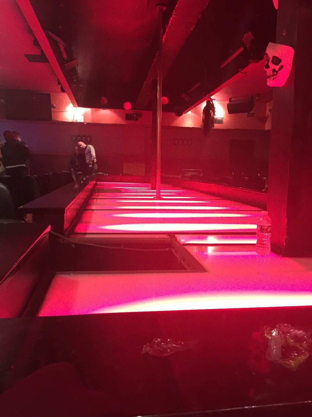 Stiletto | night club | 325 Paterson Plank Rd, East Rutherford, NJ 07073, USA | 2015310493 OR +1 201-531-0493