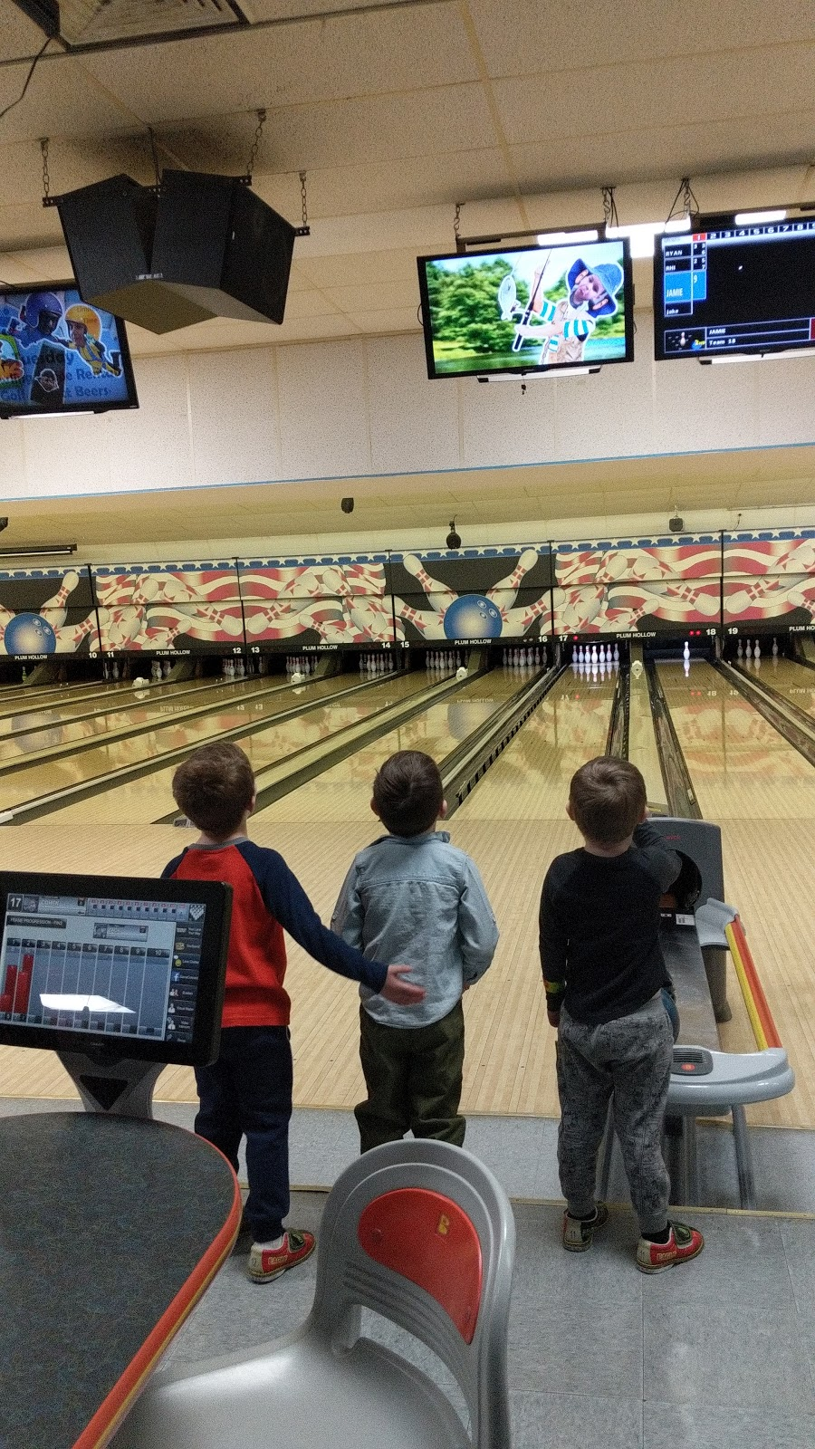 Plum Hollow Family Center - bowling alley  | Photo 6 of 10 | Address: 1933 IL-26, Dixon, IL 61021, USA | Phone: (815) 271-4101