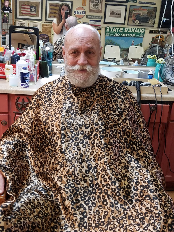 Chongs Barber Shop - hair care  | Photo 6 of 10 | Address: 1527 E U.S. 190, Copperas Cove, TX 76522, USA | Phone: (254) 833-1567