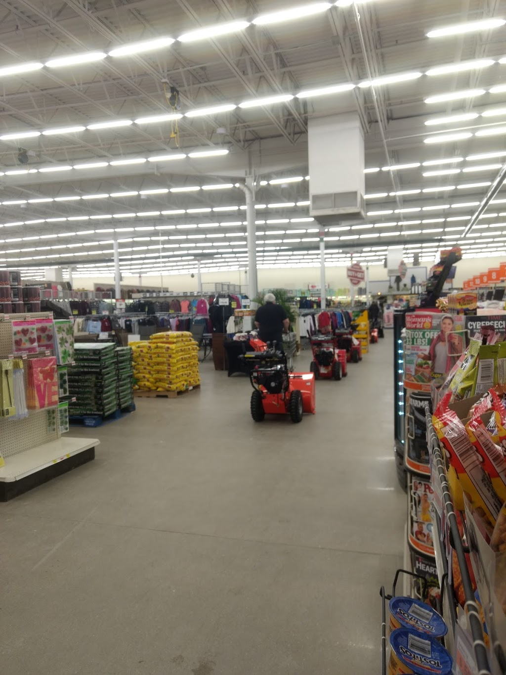 Fleet Farm - clothing store  | Photo 9 of 10 | Address: 3110 Eastern Ave, Plymouth, WI 53073, USA | Phone: (920) 893-5115