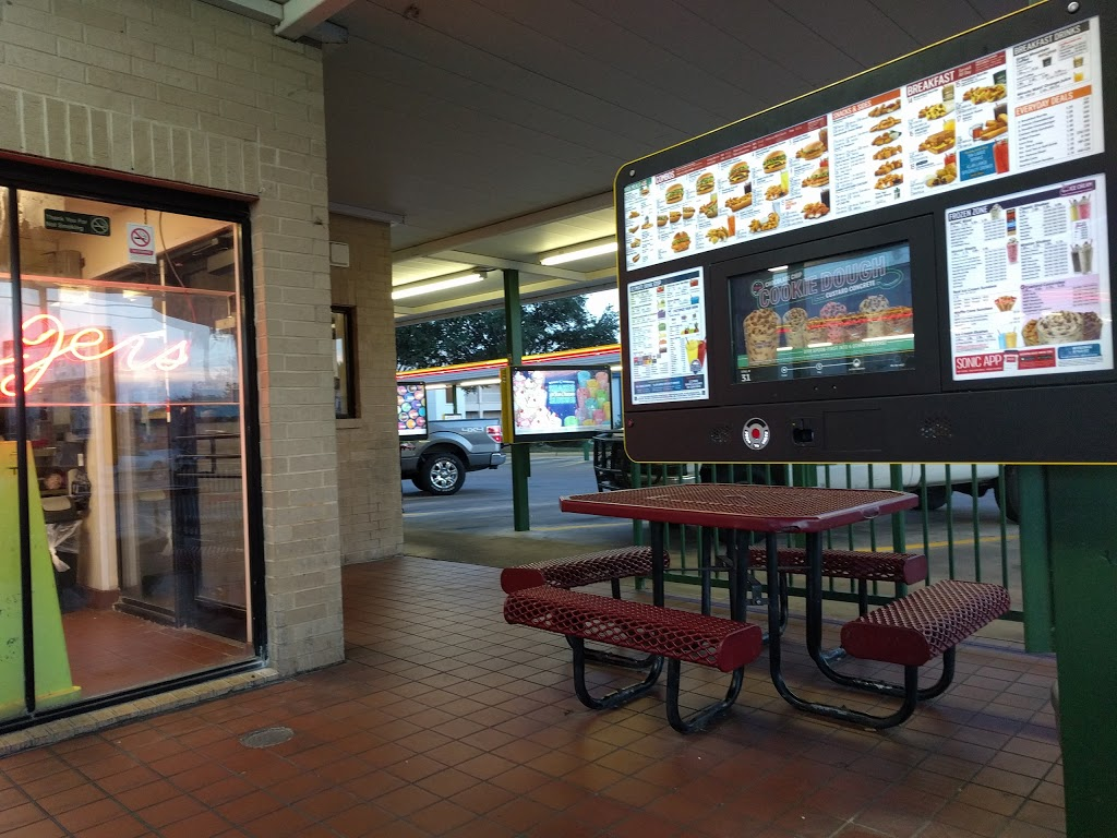 Sonic Drive-In - restaurant  | Photo 3 of 10 | Address: 5505 McPherson Rd, Laredo, TX 78041, USA | Phone: (956) 712-9631