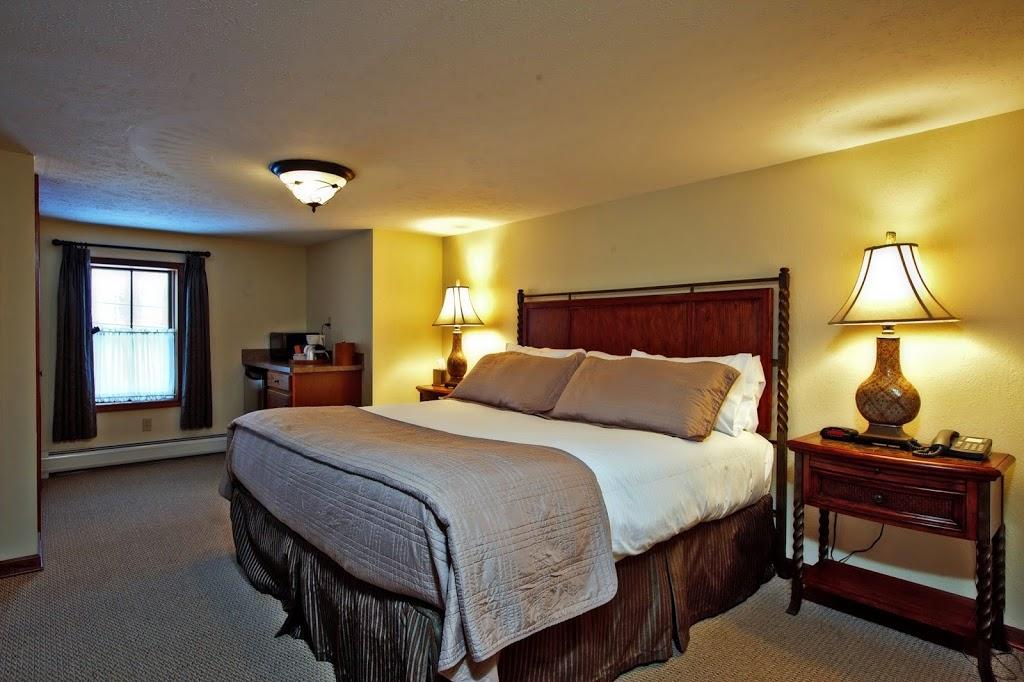 Woodfield Manor - lodging  | Photo 2 of 10 | Address: 472 Red Rock Rd, Cresco, PA 18326, USA | Phone: (570) 895-4401