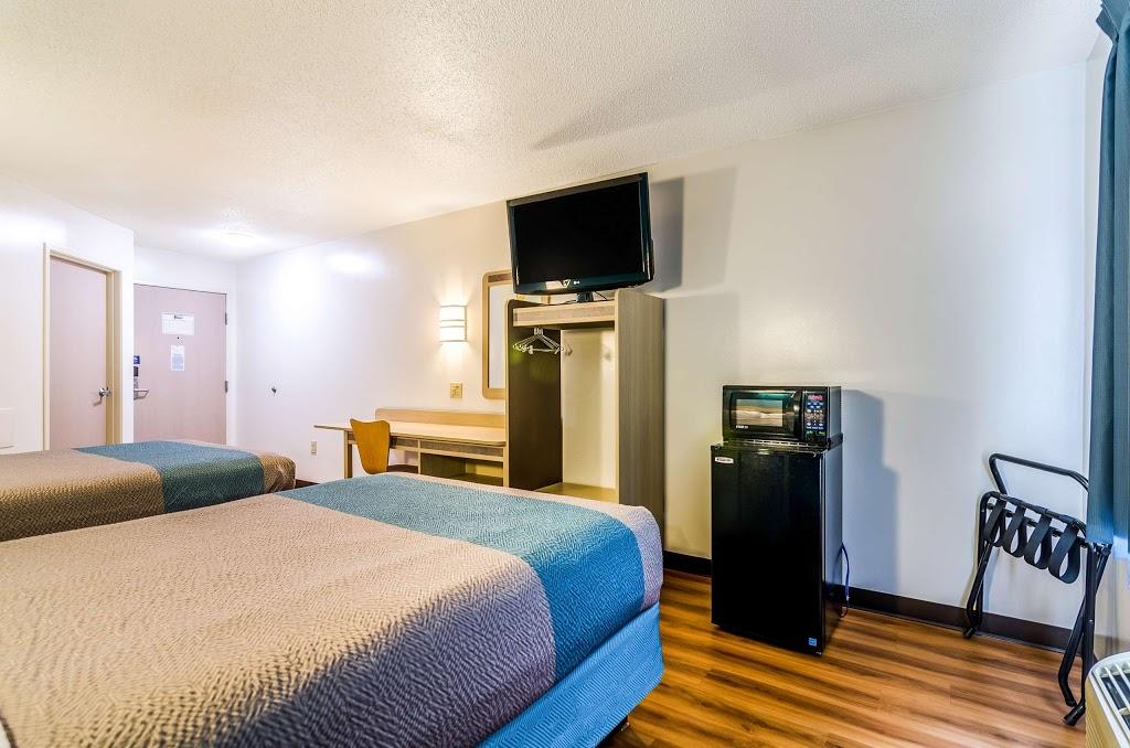 Motel 6 Gordonville - lodging    Photo 2 of 10   Address: 2959 Lincoln Hwy E, Gordonville, PA 17529, USA   Phone: (717) 687-3880