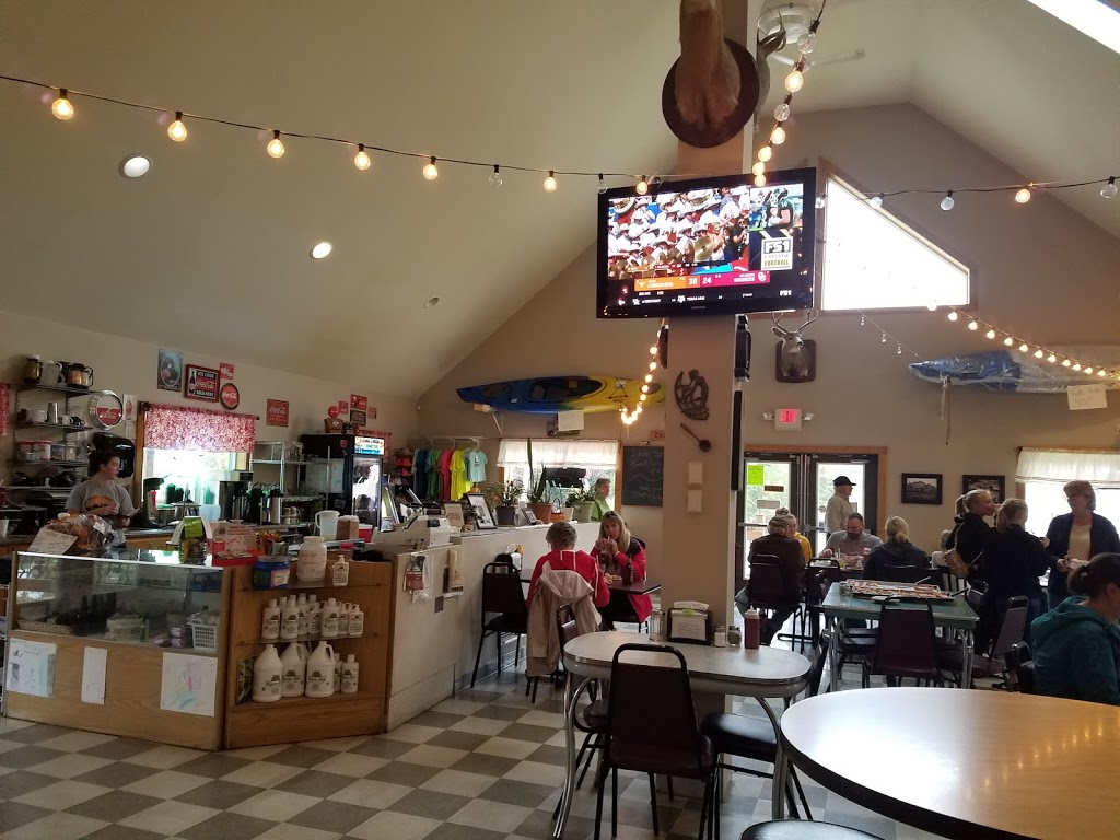 Rendezvous - restaurant  | Photo 2 of 10 | Address: 201 Main St, Montello, WI 53949, USA | Phone: (608) 297-2444