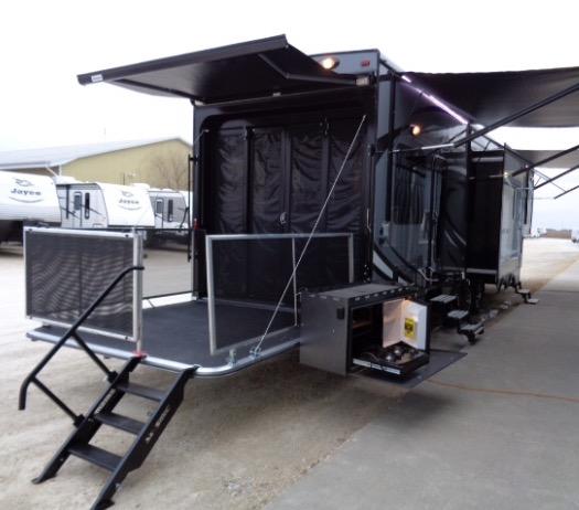 Gander RV of DeKalb - car dealer  | Photo 5 of 10 | Address: 350 W Lincoln Hwy, Cortland, IL 60112, USA | Phone: (888) 890-9714