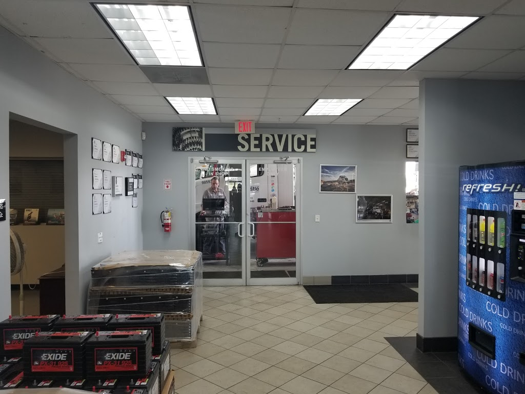 Vanguard Truck Center - Austin Volvo Mack - car repair  | Photo 9 of 10 | Address: 18001 S IH 35 Frontage Rd, Buda, TX 78610, USA | Phone: (512) 312-5400
