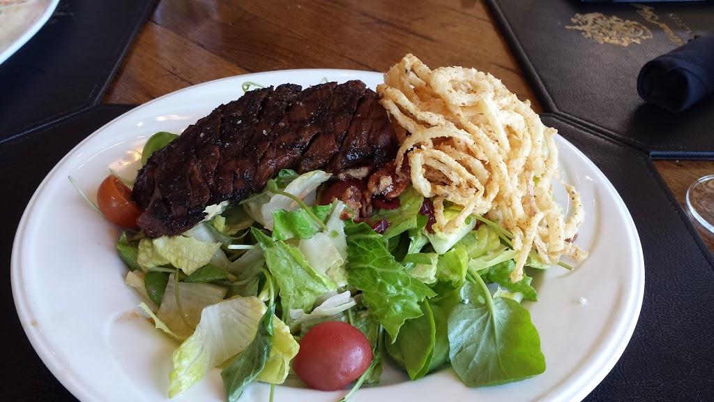 Golfers Lounge - restaurant  | Photo 1 of 6 | Address: 1 Trump National Dr, Rancho Palos Verdes, CA 90275, USA | Phone: (310) 303-3260