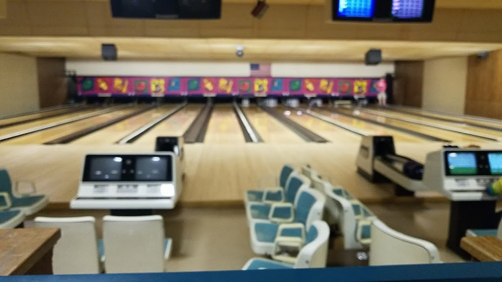 Schwoeglers Sugar River Lanes - bowling alley  | Photo 3 of 10 | Address: 807 River St, Belleville, WI 53508, USA | Phone: (608) 424-3774