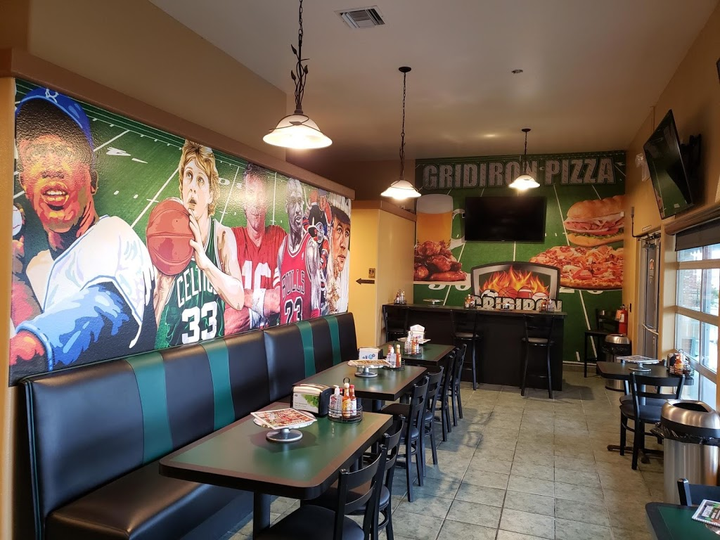 Gridiron Pizza #3 At The Lake - restaurant  | Photo 2 of 10 | Address: 27170 Lakeview Dr #402, Helendale, CA 92342, USA | Phone: (760) 243-0333