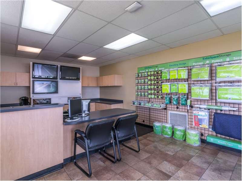 Extra Space Storage - moving company  | Photo 2 of 10 | Address: 11701 Slauson Ave, Santa Fe Springs, CA 90670, USA | Phone: (562) 945-2007