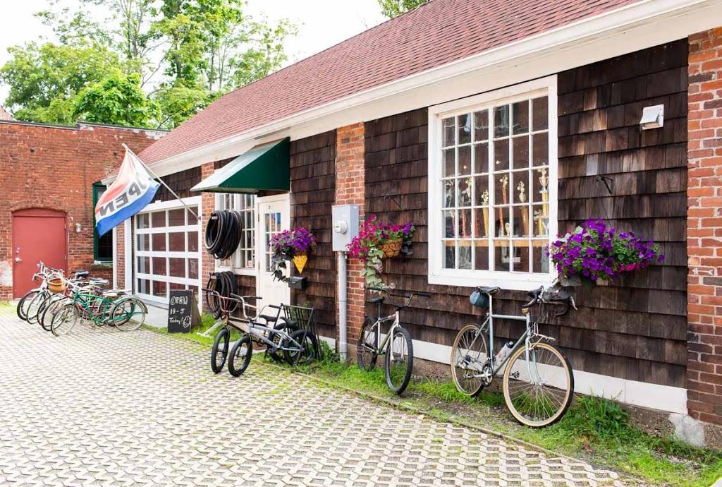 Full Circle Bike Shop - bicycle store  | Photo 2 of 9 | Address: 30 N Maple St, Florence, MA 01062, USA | Phone: (413) 585-8700