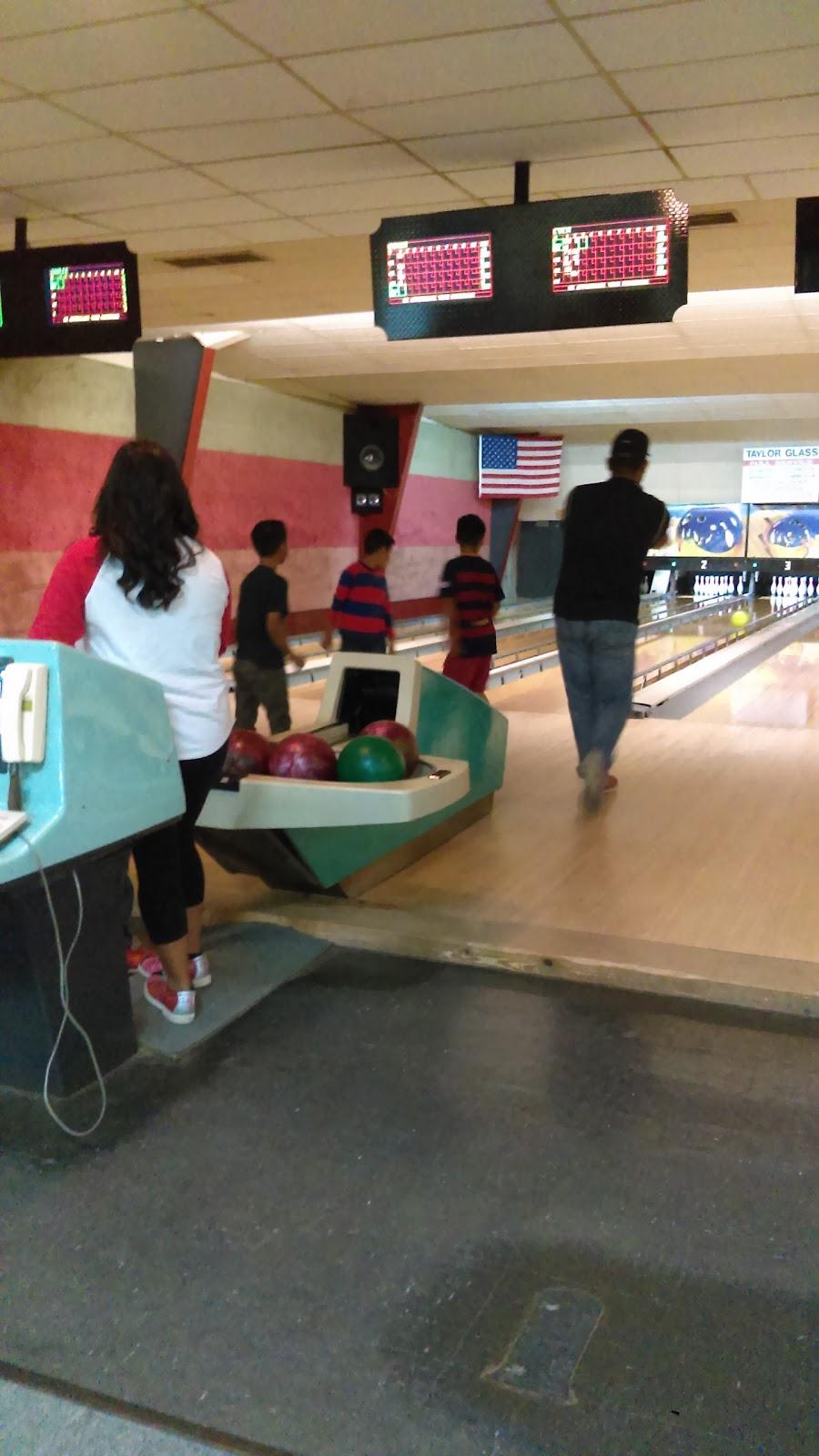 Pleasant Bowl - bowling alley  | Photo 3 of 10 | Address: 754 E 16th St, Mt Pleasant, TX 75455, USA | Phone: (903) 572-0347
