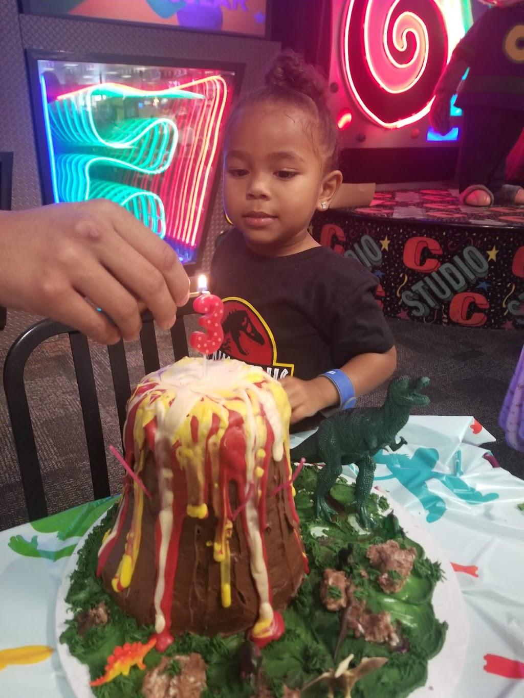 Lindas Cakes n Things - bakery  | Photo 1 of 4 | Address: 22021 Mid Way, Tehachapi, CA 93561, USA | Phone: (661) 972-4361