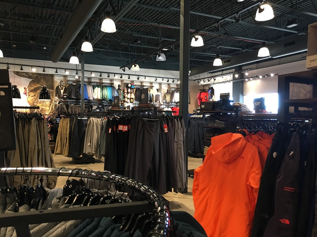 The North Face Outlet - clothing store    Photo 7 of 10   Address: 11601 108th St Spc 577, Pleasant Prairie, WI 53158, USA   Phone: (262) 857-1188