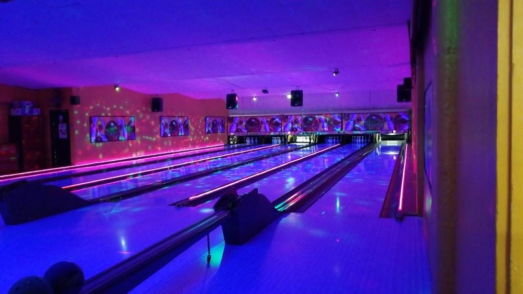 Lake Street Lanes - bowling alley  | Photo 7 of 10 | Address: 10 Lake St, New Berlin, NY 13411, USA | Phone: (607) 847-8594