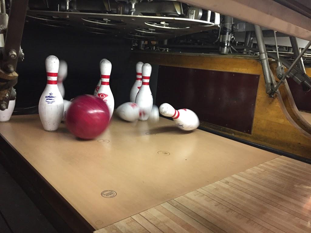 Lake Street Lanes - bowling alley  | Photo 3 of 10 | Address: 10 Lake St, New Berlin, NY 13411, USA | Phone: (607) 847-8594