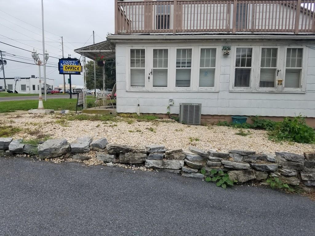 Zooks Motel - lodging  | Photo 4 of 10 | Address: 103 E Main St, Leola, PA 17540, USA | Phone: (717) 656-3313