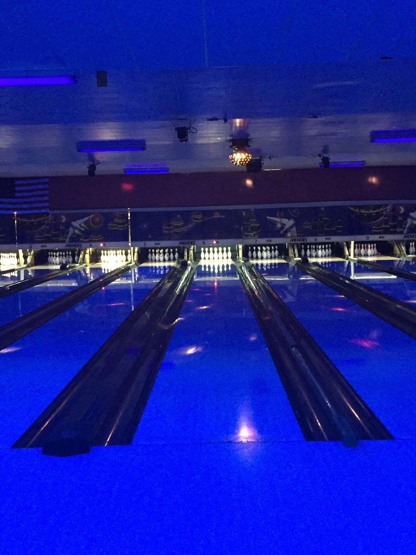 Pin Splitter Lanes - bowling alley  | Photo 7 of 10 | Address: 1402 W Peru St, Princeton, IL 61356, USA | Phone: (815) 879-5811