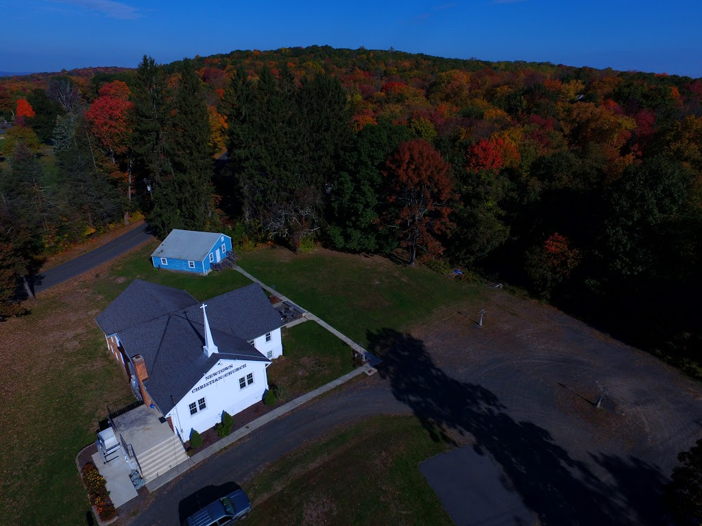 Newtown Christian Church - church  | Photo 6 of 6 | Address: 210 Sugar St, Newtown, CT 06470, USA | Phone: (203) 426-6189