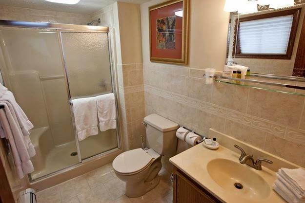 Woodfield Manor - lodging  | Photo 4 of 10 | Address: 472 Red Rock Rd, Cresco, PA 18326, USA | Phone: (570) 895-4401