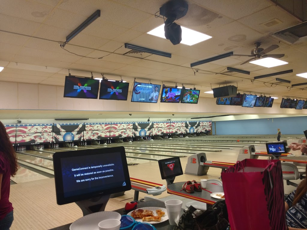 Plum Hollow Family Center - bowling alley  | Photo 7 of 10 | Address: 1933 IL-26, Dixon, IL 61021, USA | Phone: (815) 271-4101