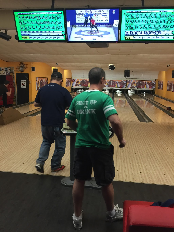 Lake Street Lanes - bowling alley  | Photo 2 of 10 | Address: 10 Lake St, New Berlin, NY 13411, USA | Phone: (607) 847-8594