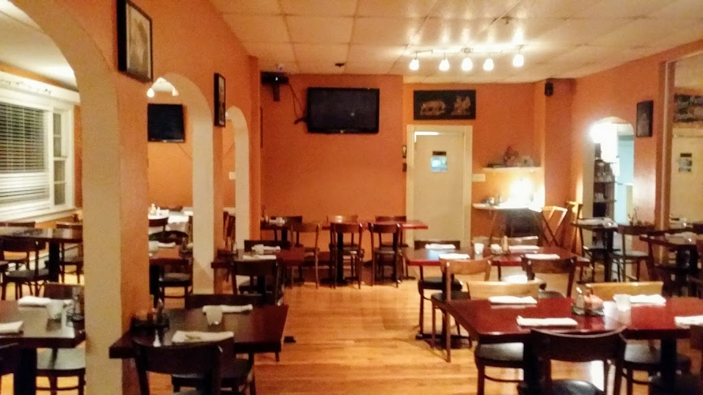 Barts Bar and Grill - restaurant  | Photo 1 of 10 | Address: 3363 PA-715, Reeders, PA 18352, USA | Phone: (570) 629-1210