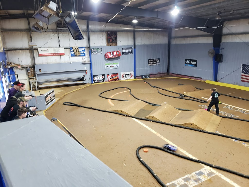 Bumps & Jumps Rc Speedway - store  | Photo 2 of 10 | Address: 643 Old York Rd, Goldsboro, PA 17319, USA | Phone: (717) 932-3000