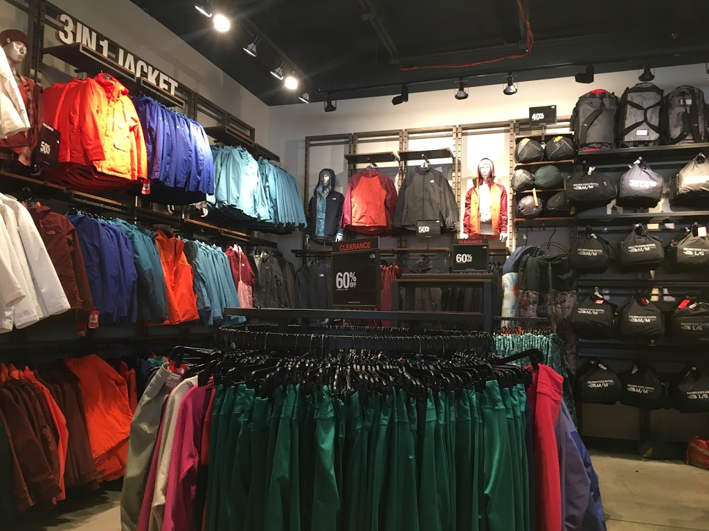 The North Face Outlet - clothing store    Photo 5 of 10   Address: 11601 108th St Spc 577, Pleasant Prairie, WI 53158, USA   Phone: (262) 857-1188