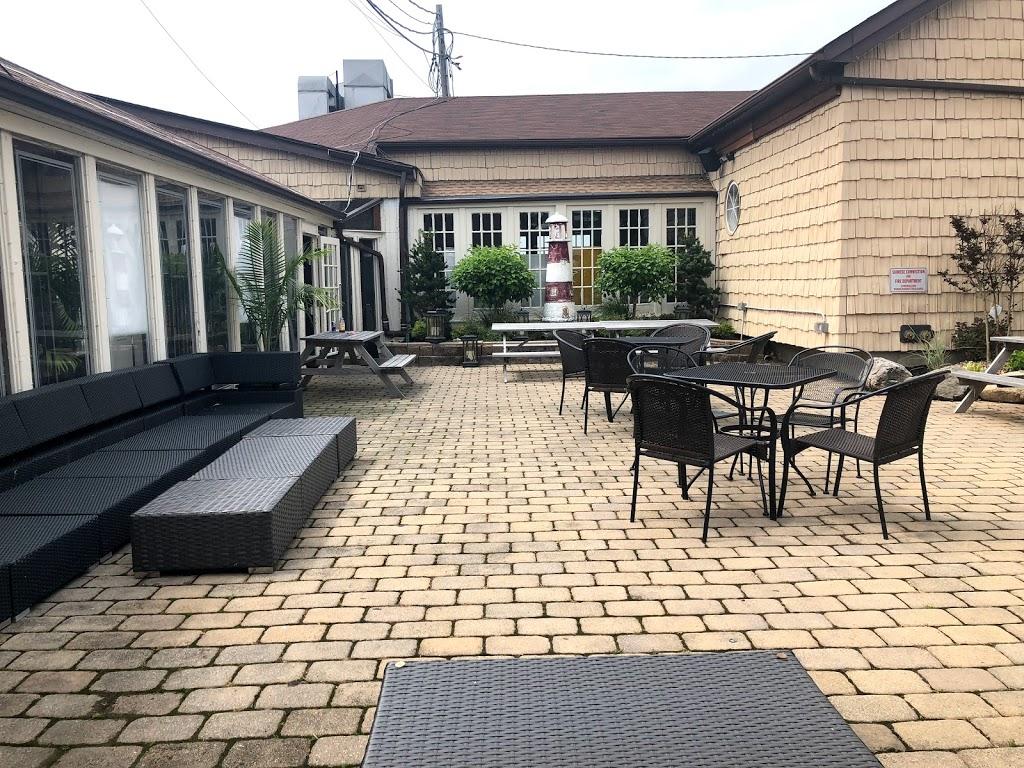 South Shore Bar & Grill - restaurant  | Photo 3 of 10 | Address: 225 Ellis St, Staten Island, NY 10307, USA | Phone: (718) 227-2258