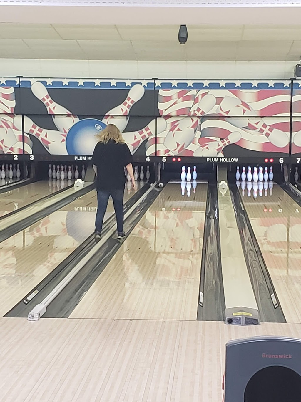Plum Hollow Family Center - bowling alley  | Photo 5 of 10 | Address: 1933 IL-26, Dixon, IL 61021, USA | Phone: (815) 271-4101