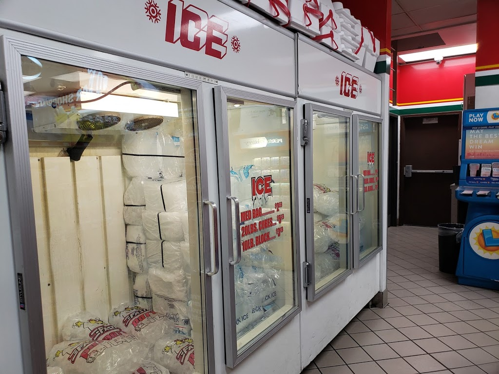 Fastrip - convenience store  | Photo 6 of 10 | Address: 2350 CA-58 BUS, Mojave, CA 93501, USA | Phone: (661) 824-9257
