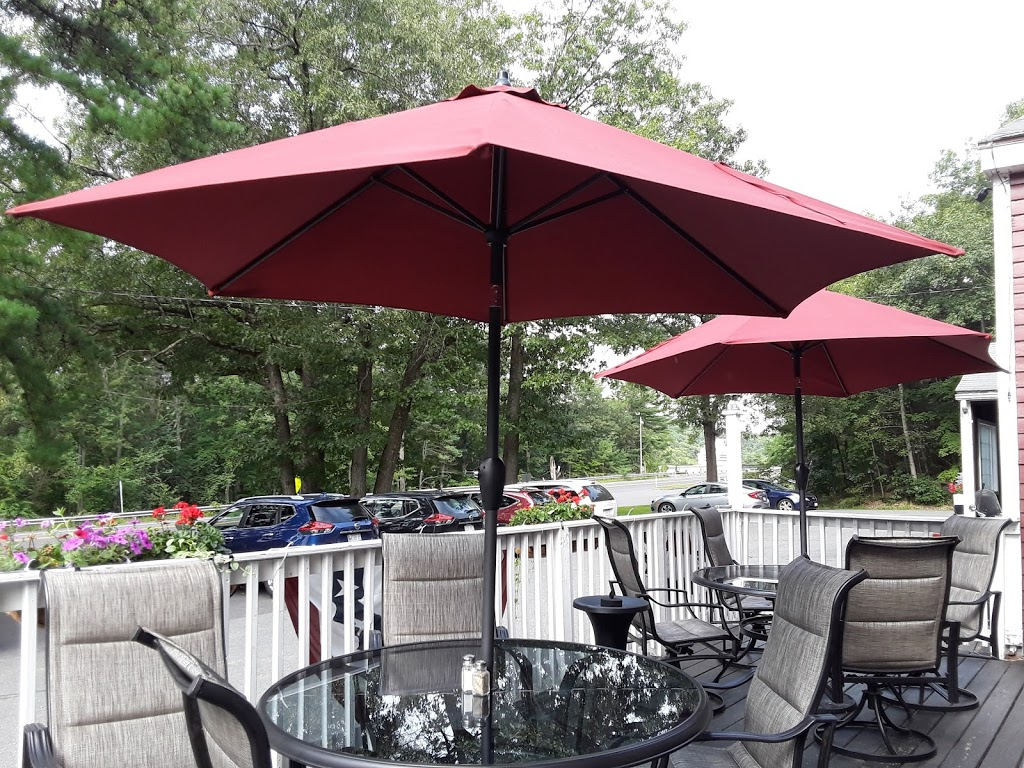 French King Restaurant - lodging    Photo 2 of 10   Address: 129 French King Hwy, Erving, MA 01344, USA   Phone: (413) 423-3328