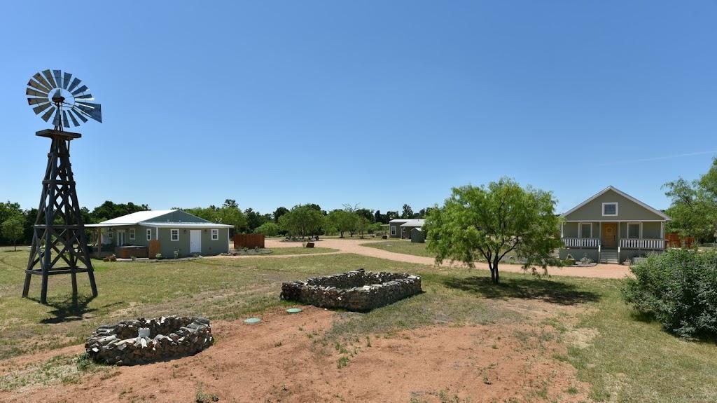 Gladheart - lodging    Photo 8 of 10   Address: 430 Glad Heart Trail, Fredericksburg, TX 78624, USA   Phone: (830) 307-8205