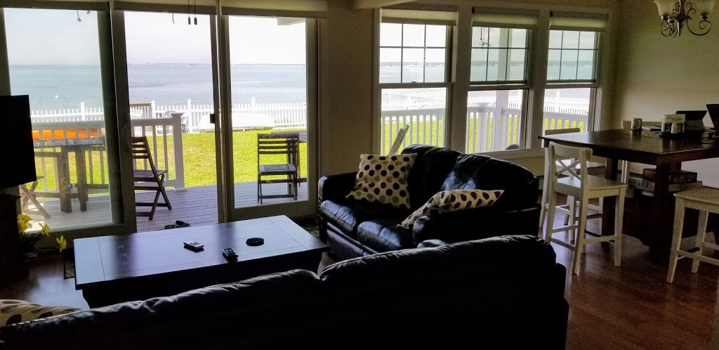 Cornfield Point Beach House - real estate agency  | Photo 8 of 10 | Address: 5 W Shore Dr, Old Saybrook, CT 06475, USA | Phone: (860) 339-6487