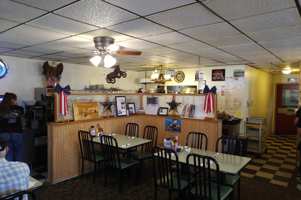Old Route 66 Family Restaurant - restaurant  | Photo 5 of 10 | Address: 105 S Old Rte 66, Dwight, IL 60420, USA | Phone: (815) 584-2920