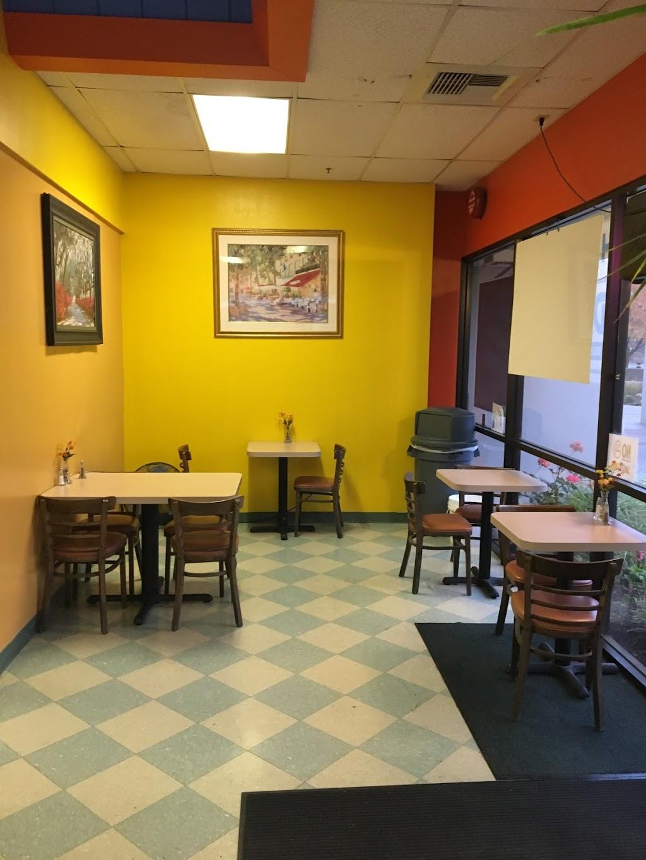 Hot Spot Café & Deli - cafe  | Photo 2 of 10 | Address: 800 Chadbourne Rd #11, Fairfield, CA 94534, USA | Phone: (707) 421-0296